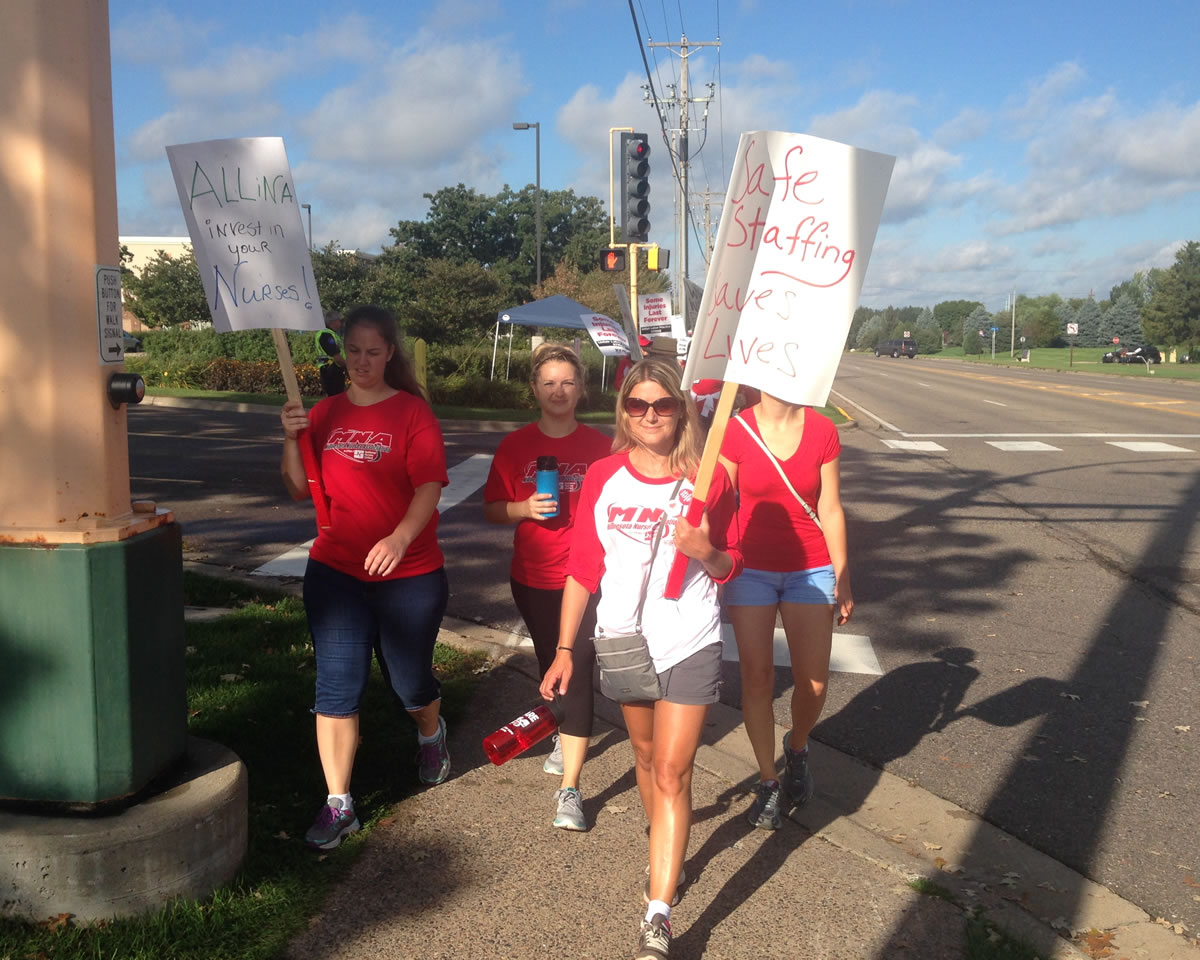 Nurses walked the picket line early Monday morning at Unity Hospital in Fridley. Workday Minnesota photo